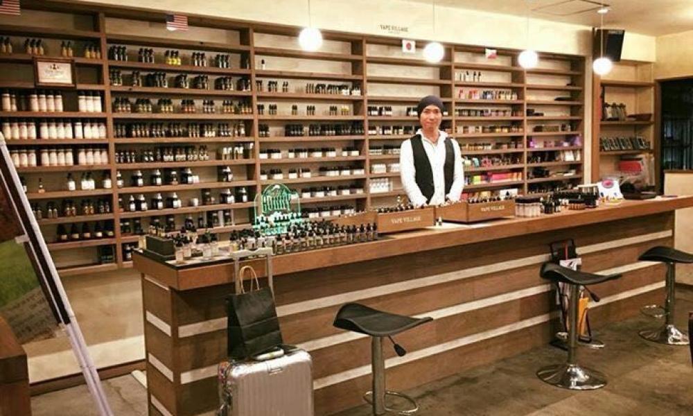 Fix Vapor E-cigarette Retail Shop Design