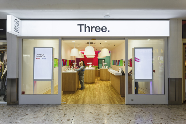 Uk Three Mobile Stores Design Collection M2display Com