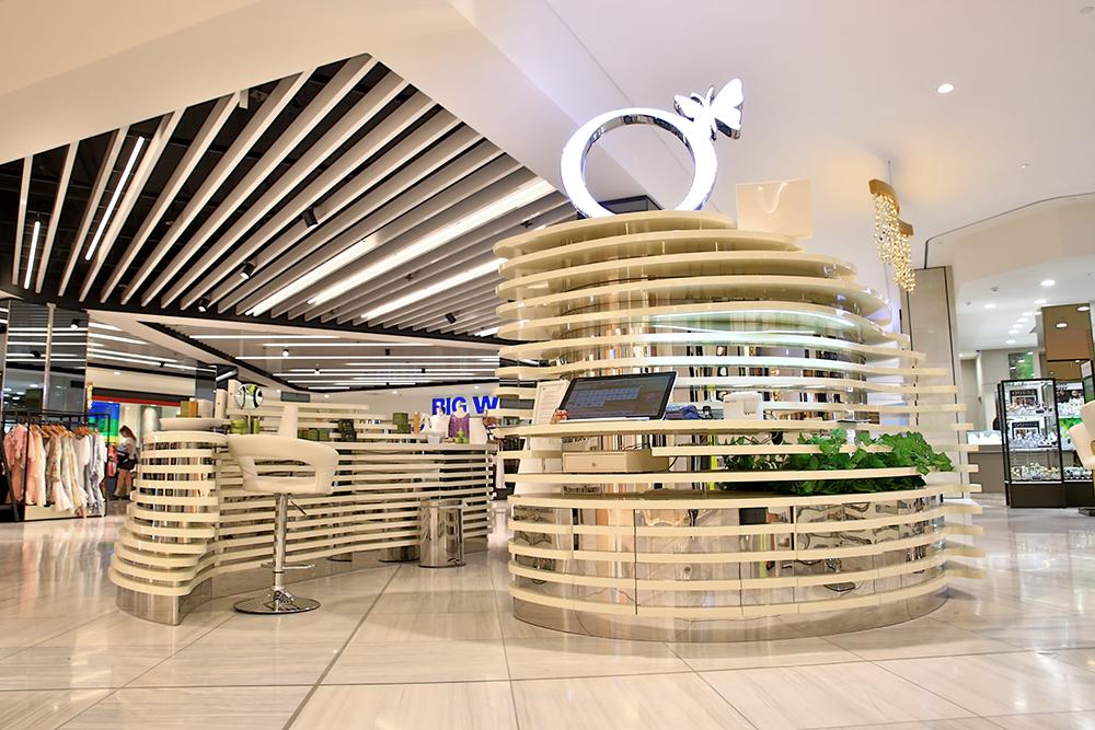 Origani Skincare Mall Kiosk display stand