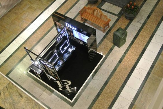 Dior kiosk is with 4 demo, work table with LED mirror