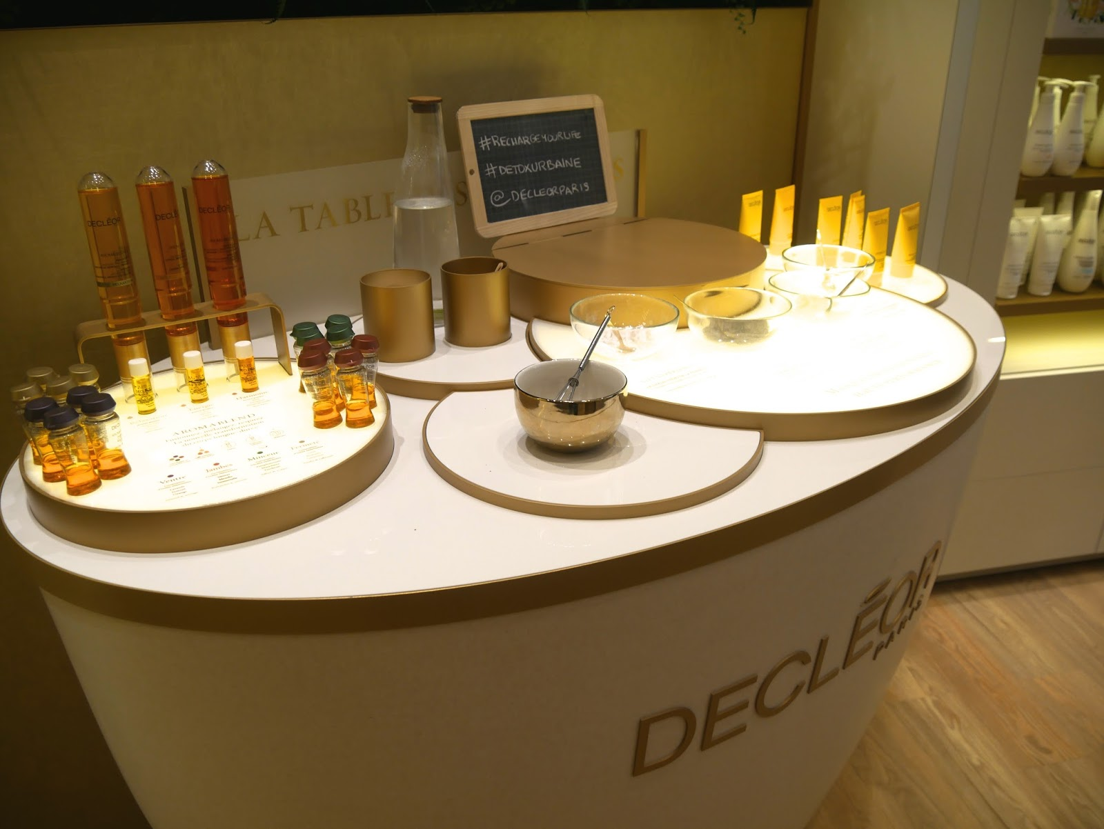 illuminated DECLÉOR Beauty Spa shop display table