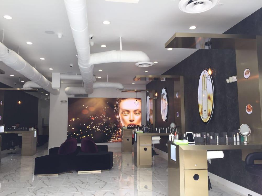 Kristals Cosmetics Retail Shop Display Design