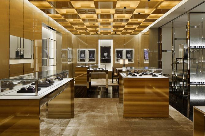 275369d3e09 Louis Vuitton Fine Watch & Jewelry Shop Design - m2display.com